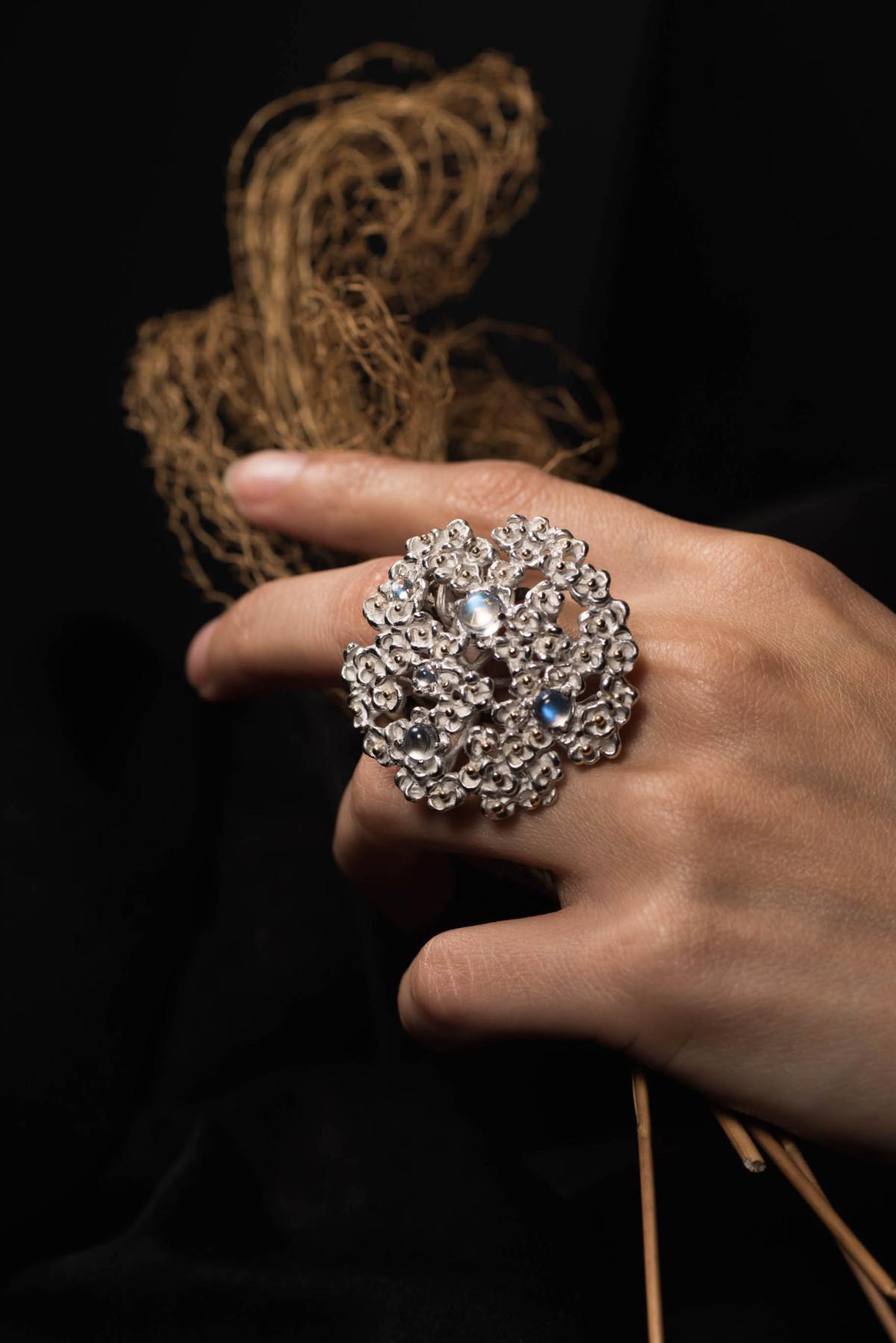 Achillea flower ring